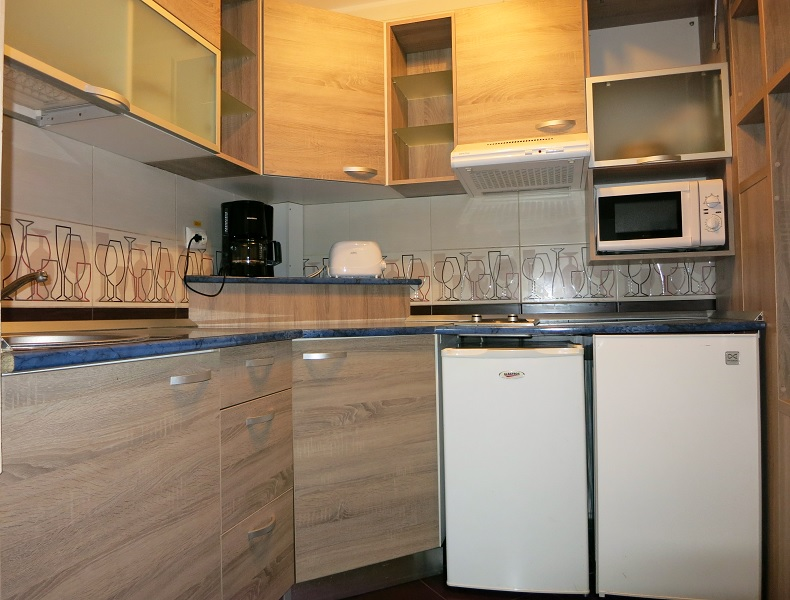 ***3 rooms luxurious apartment for rent Iasi   #  code 031